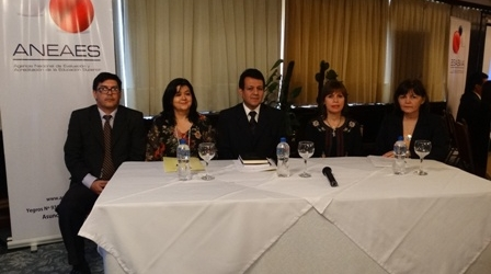 TALLER DE REVISIÓN DE LOS INDICADORES Y DE LA MATRIZ DE CALIDAD DE CARRERAS DE GRADO DEL MODELO NACIONAL